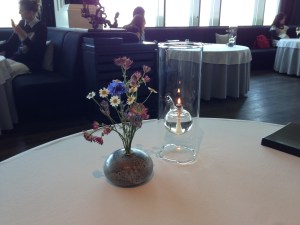 simple but elegant table decorations