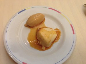 caramel ice cream and creme caramel