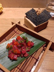 Tuna tartare with crispy nori and shichimi