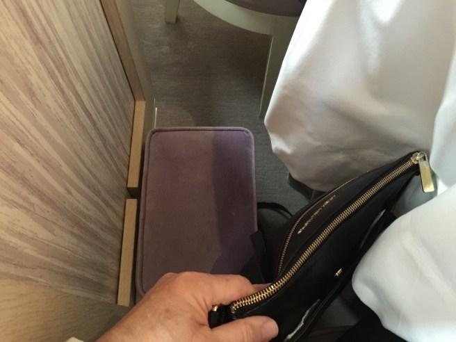 purse stool