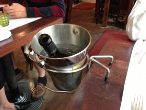Table hanging wine chiller