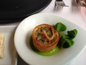 Eggroll with false morels and green onion puree