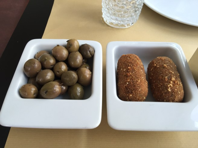 Olives, croquettes