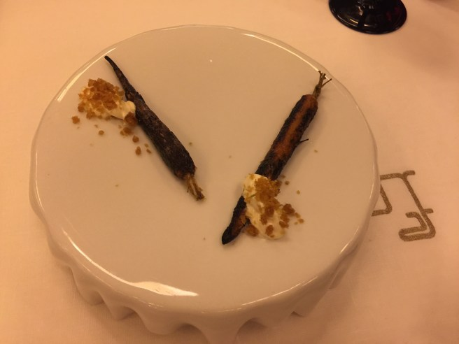 amuse: grilled carrot with yogurt and crunchies - Great!