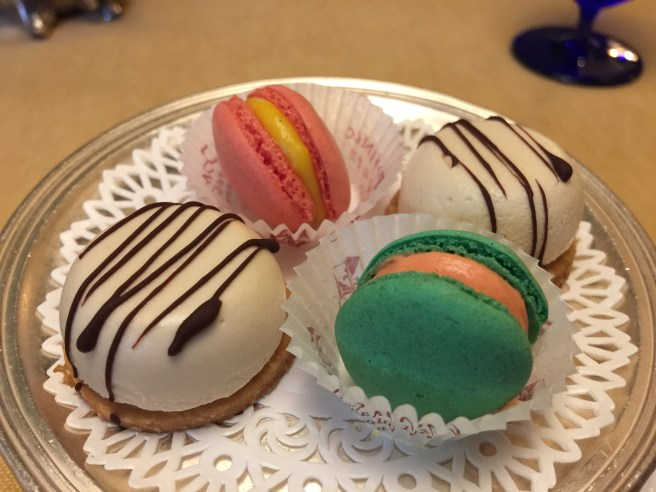 macaroons and cookies