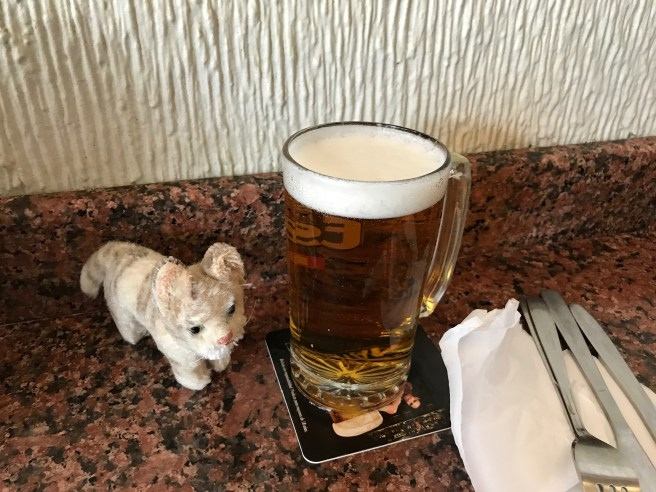 Frankie and a beer