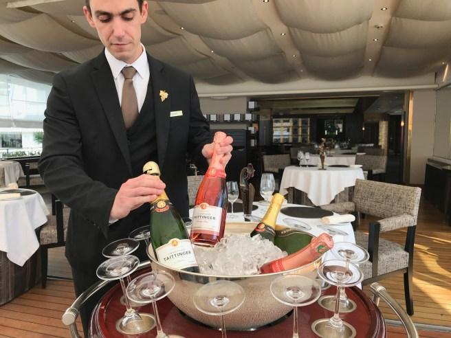 interior/champagne cart
