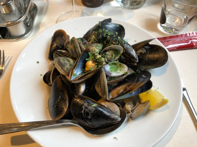 Mixed of Mussels and Clams