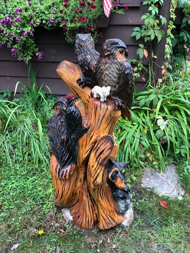 Frankie was glad these birds were wooden