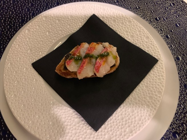 amuse: red mullet with basil pesto