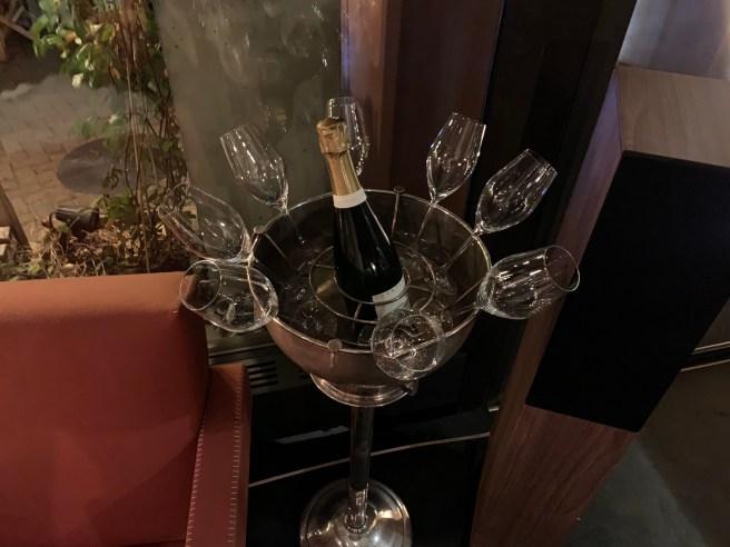 champagne server