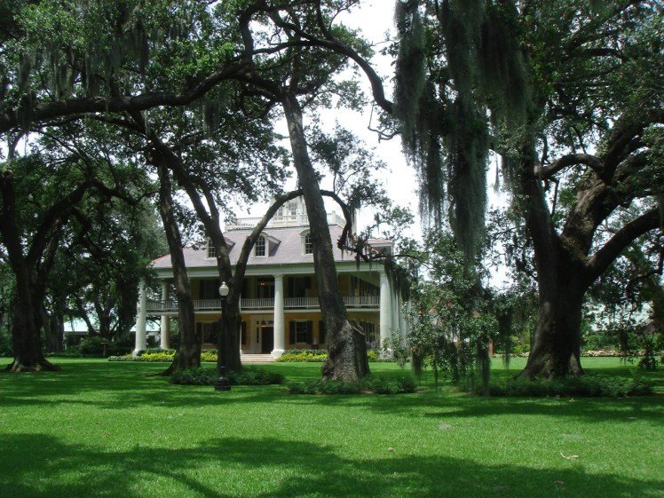 Houmas House and Plantation is one of the many, open to visitor plantations around New Orleans offering excellent tours and historical insights