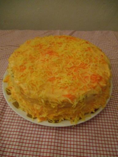 Golden Deluxe Cake
