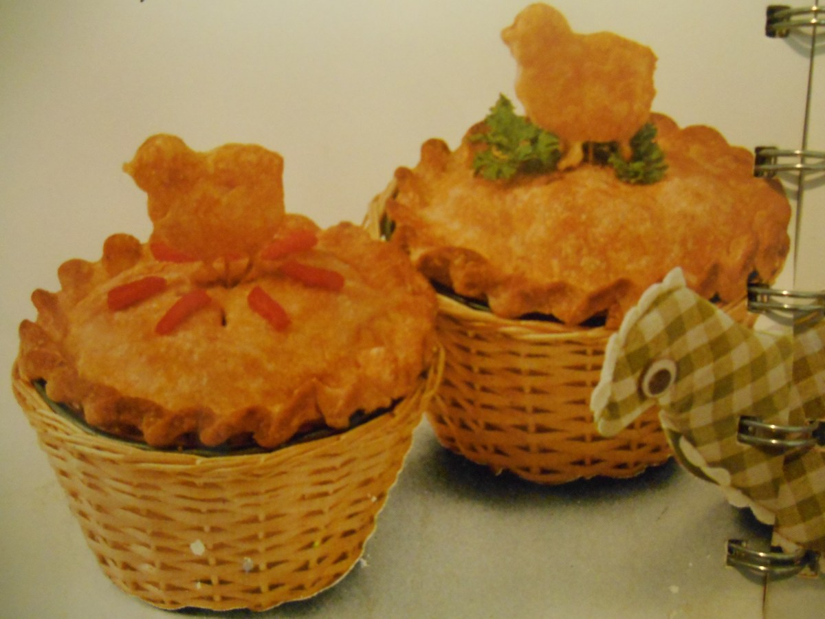 PIEATHALON 4: Betty Crocker's Chicken-Sausage Pies (1965)