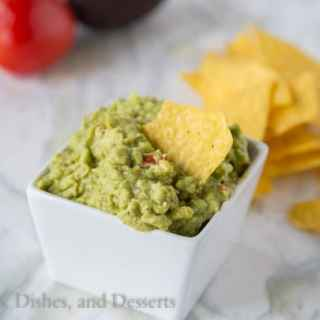 Homemade Guacamole {Dinners, Dishes, and Desserts}