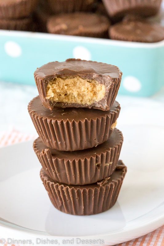 Homemade Peanut Butter Cups - Reese's peanut butter cups might be the best candy ever, but make them at home with just a handful of ingredients. So easy!
