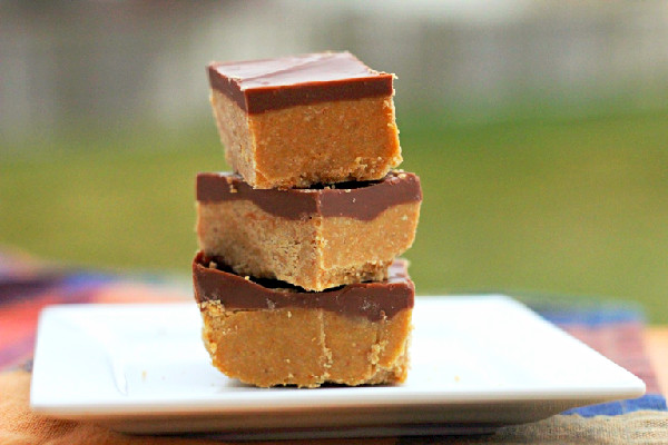 No Bake Peanut Butter Bars {Dinners, Dishes, and Dessesrts}
