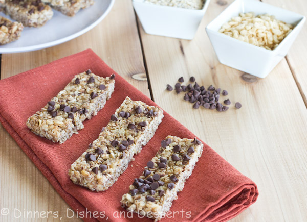 no bake chewy granola bars on a table