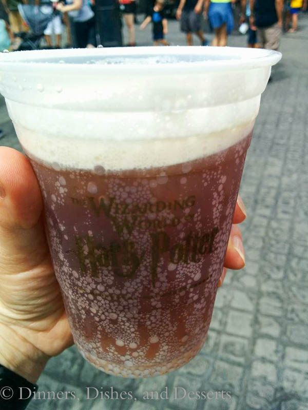Universal Studios Orlando - Butterbeer in Hogsmeade