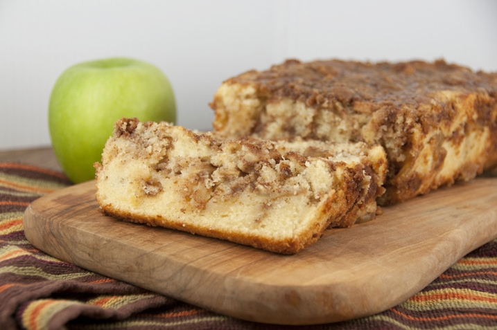 Cinnamon Apple Pie Bread {Wishes and Dishes}