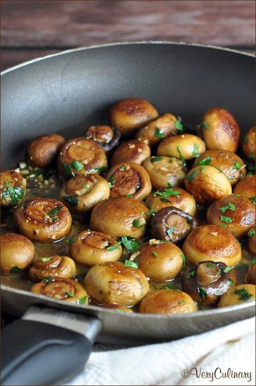 Sauteed Mushrooms with Garlic and Lemon Pan Sauce