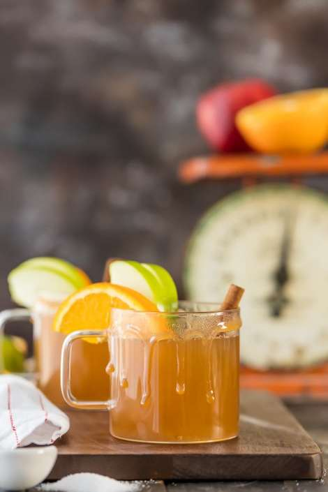 Slow Cooker Caramel Apple Cider {The Cookie Rookie}