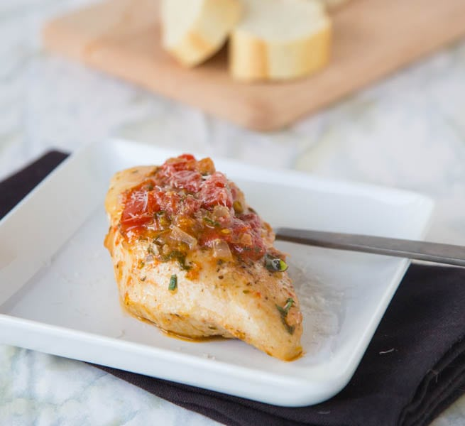 Tuscan Chicken Recipe - a super easy, one pan chicken recipe. Tons of great flavors, healthy, and delicious!
