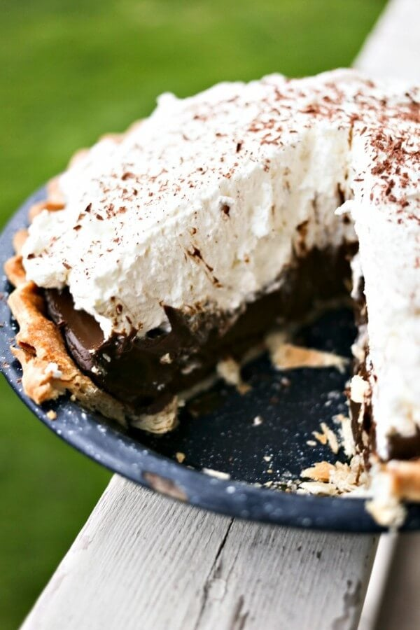 Kahlua Chocolate Cream Pie {Foodie with Family}