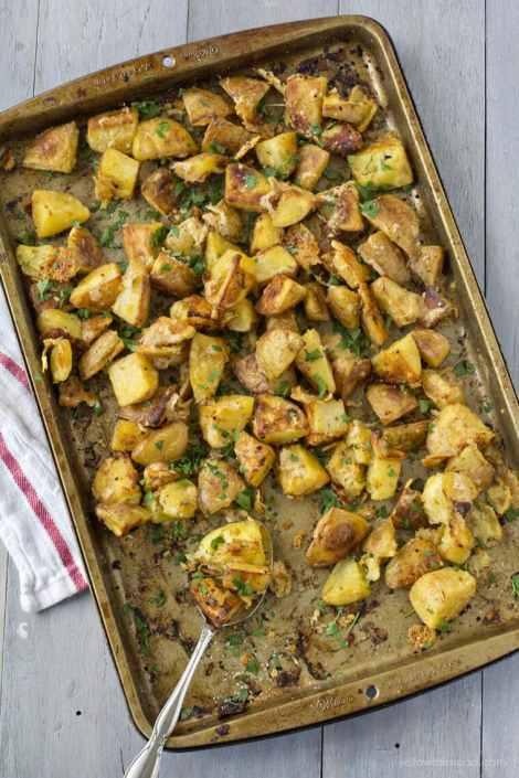Roasted Parmesan Garlic Potatoes {Yellow Bliss Road}