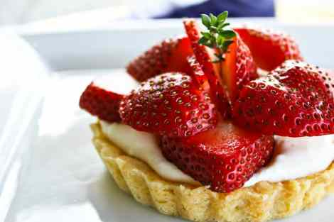 Brown Sugar Strawberries and Cream Tarts {Foodie with Family}