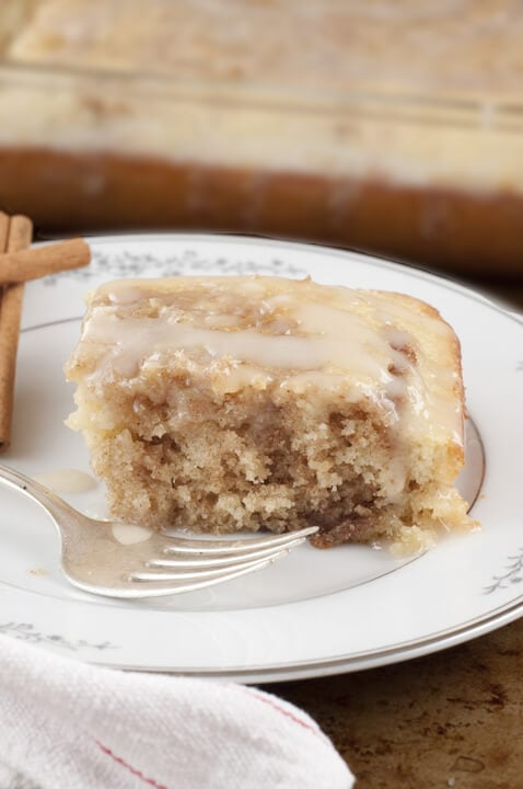 Cinnamon Roll Cake {Wishes & Dishes}