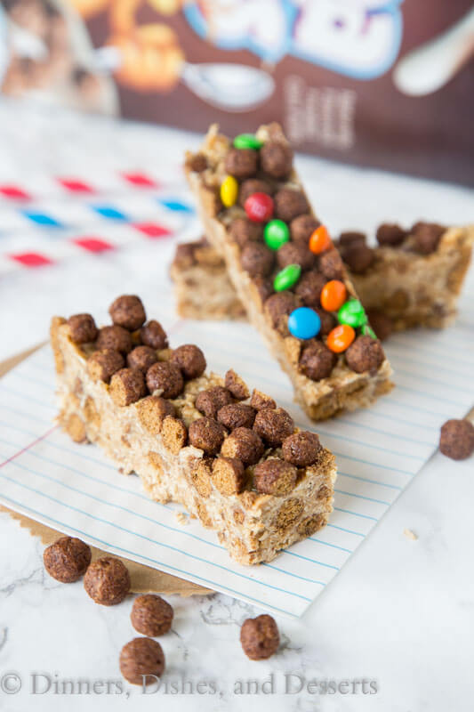 cocoa puffs cereal bars on a plate