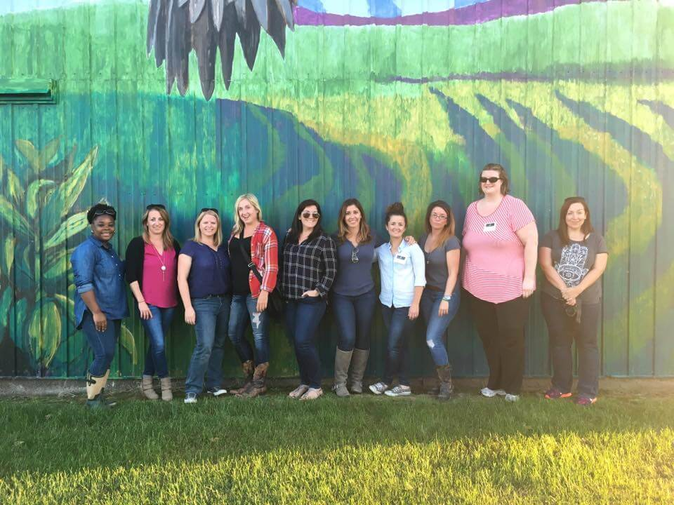 IACornQuest2016 Full group in front of custome mural on the Gallagher families barn.