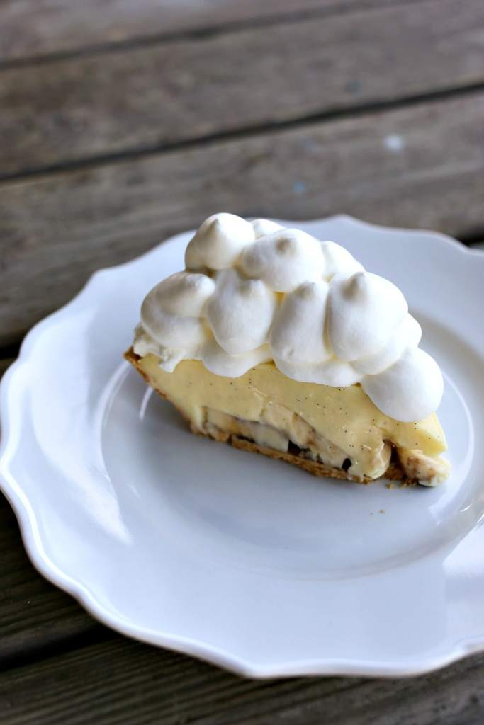 Homemade Banana Cream Pie {Foodie with Family}