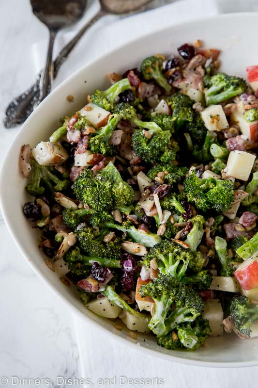 Broccoli salad with bacon - an easy broccoli salad recipe for the fall