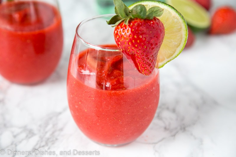 Frozen Strawberry Daiquiri - nothing beat a strawberry daiquiri!  This frozen version is so easy you can make it all summer long!