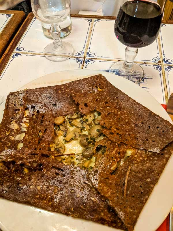 Where to Eat in Paris - Planning a trip to Paris and wondering where to eat?  Here are some of our favorites from out trip!  Creperie de Quibereon