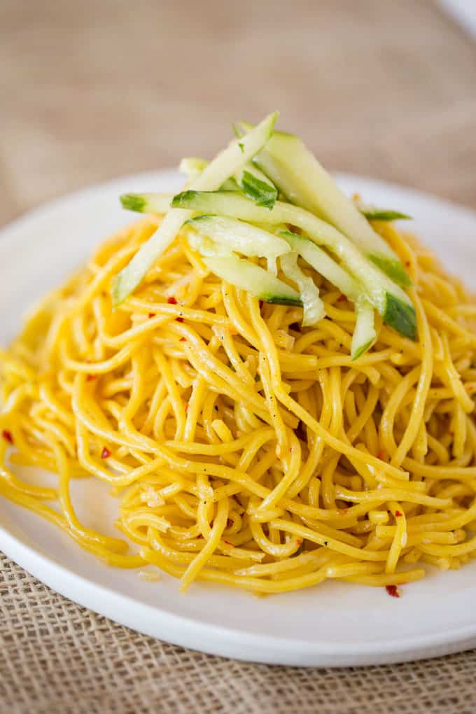 easy dinner ideas, P.F. Chang's Garlic Noodles are a quick and easy Chinese noodle dish copycat dish you can make without the heavy flavors of a chow mein and as the perfect base for your favorite stir fry meals.