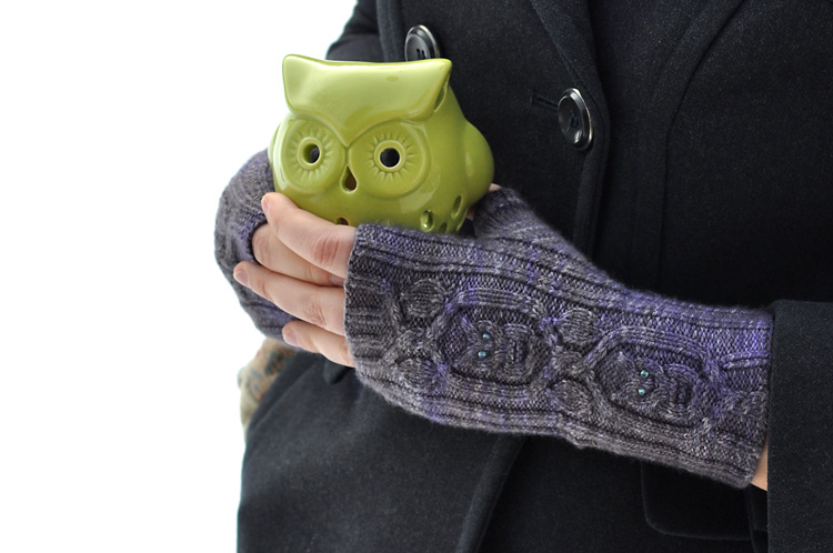Owl in the Thicket Mitts