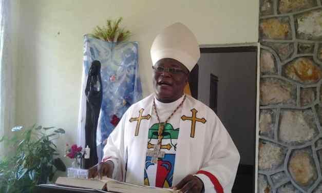 Monseigneur José MOKO Prie pour les Vocations !