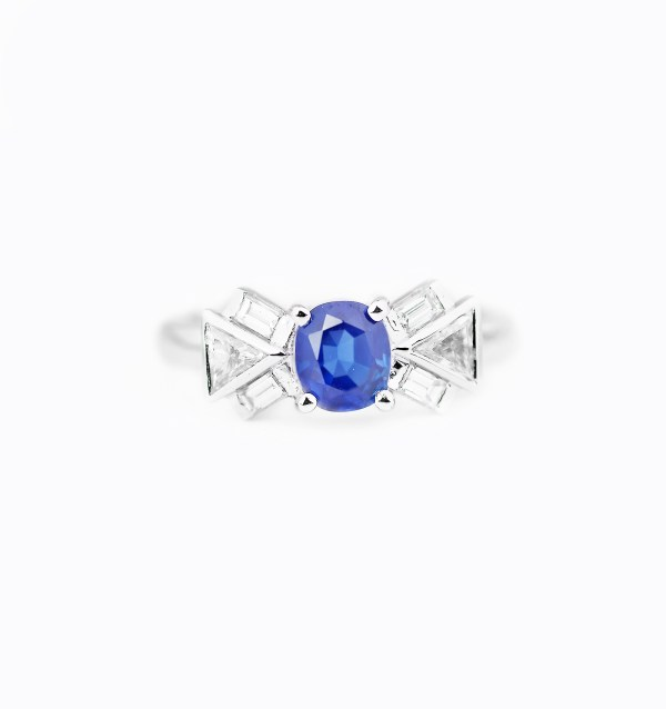 blue-sapphire-diamond-engagement-ring-style-3-0