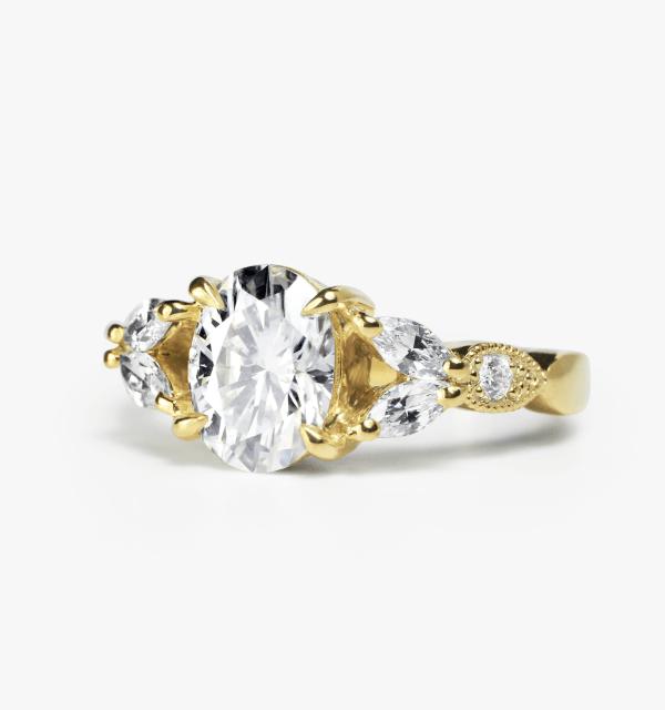 oval-moissanite-engagement-ring