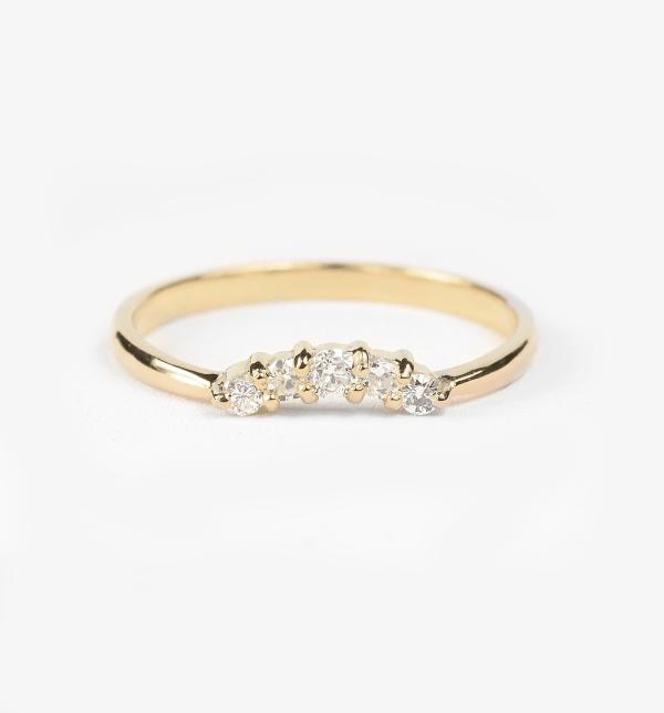 yellow gold diamond wedding ring