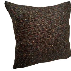 almofada decorativa em lã marrom com pontos coloridos