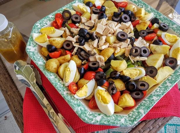 Salad arranged in large platter