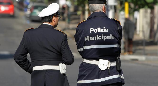 selezione pubblica per la formazione di una graduatoria per assunzioni a tempo determinato di istruttori di polizia municipale – agenti – cat.C
