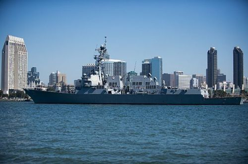 The Arleigh Burke-class guided-missile destroyer USS Pinckney (DDG 91) transits San Diego Bay. Pinckney helps provide deterrence, promote peace and security, preserve freedom of the seas, and humanitarian/disaster response within U.S. 3rd Fleet's 50-million square mile area of responsibility in the eastern Pacific. (U.S. Navy photo by Mass Communication Specialist Seaman Todd C. Behrman/Released)