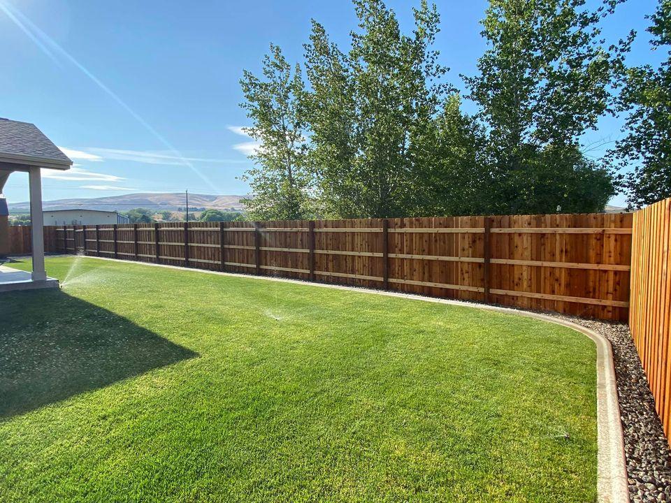 fence inclosed yard