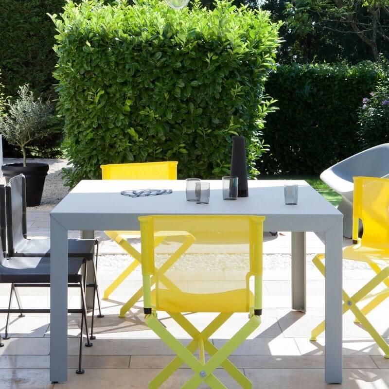 zef table de jardin carree de matiere grise