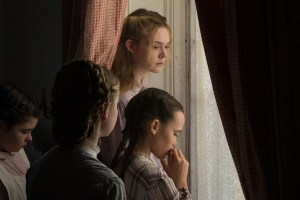 Elle Fanning and girls in The Beguiled